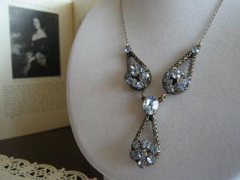 Antique_jewelry_2